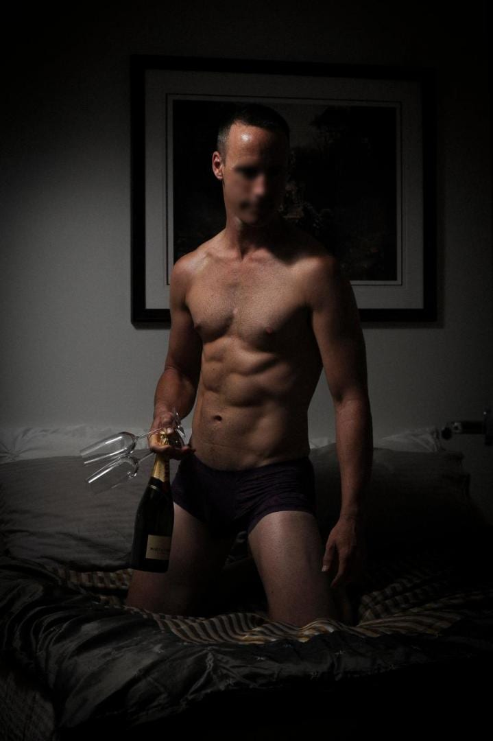 Melbourne Male Escort